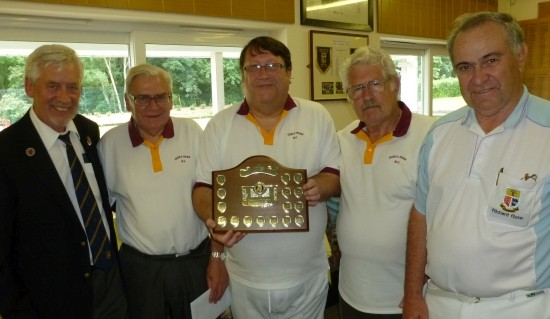 RUNNERS-UP: Gidea Park B with Fred, left, and Richard, right.